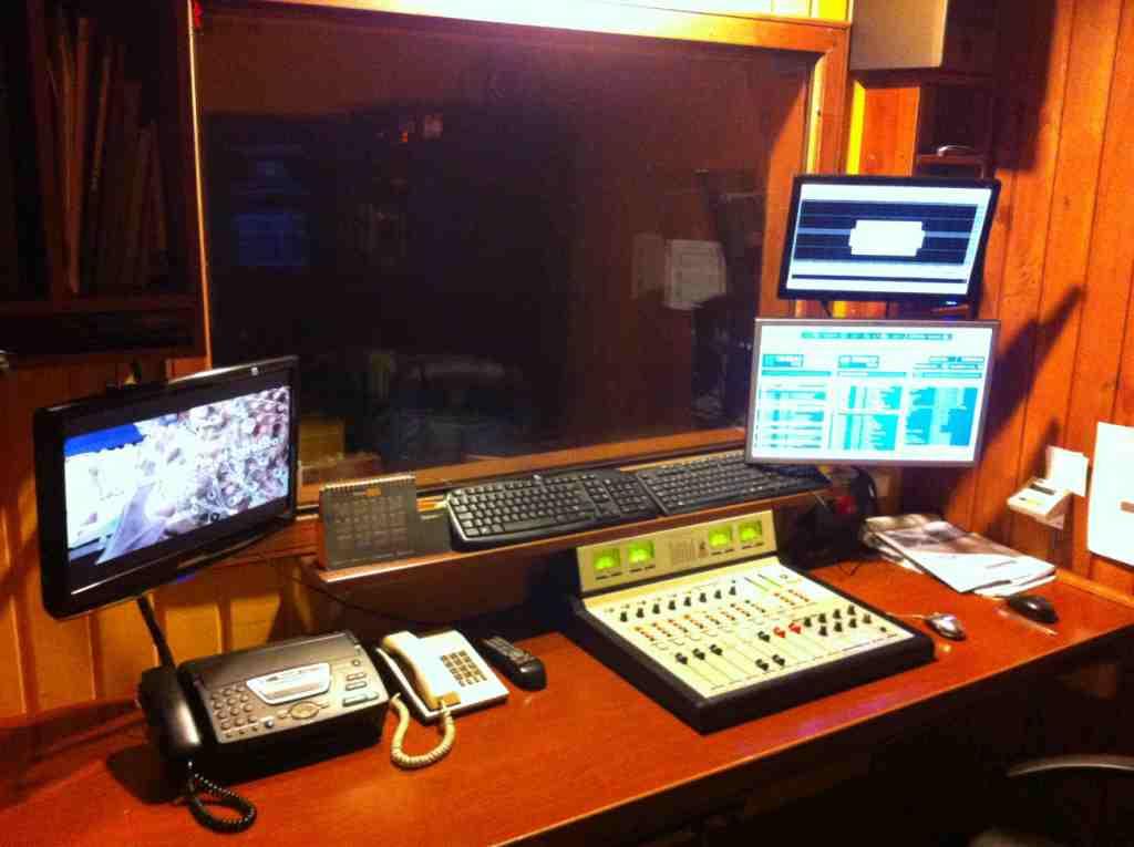 Resultado de imagen para EQUIPOS DE RADIO FM